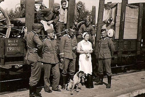 3-German-Red-Cross-DRK-Nurse-In-Front-of-a-Troop-Train